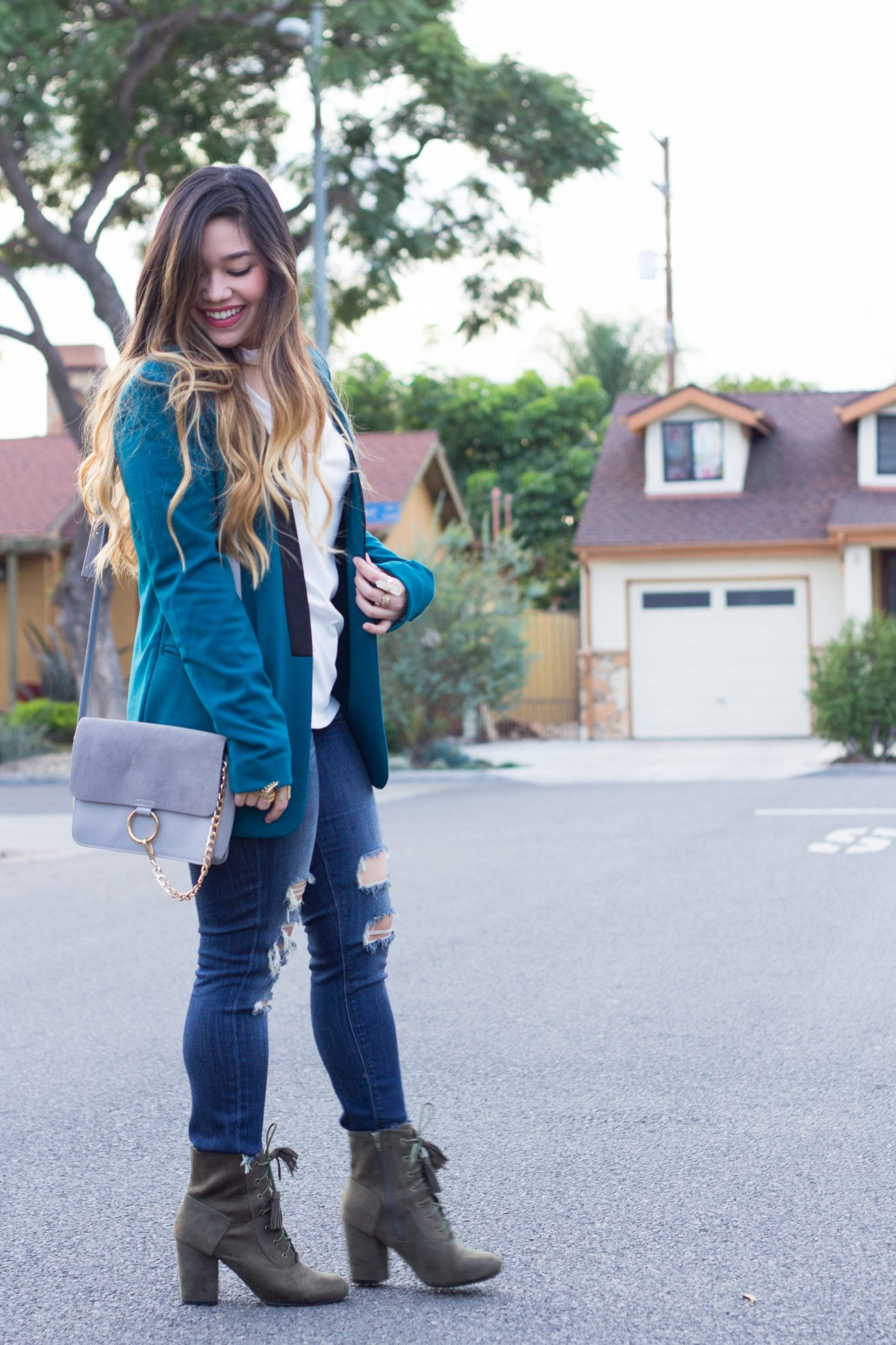 The Perfect Distressed Jeans for Petite Women