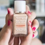 Neutrogena-SkinClearing-Liquid-Makeup
