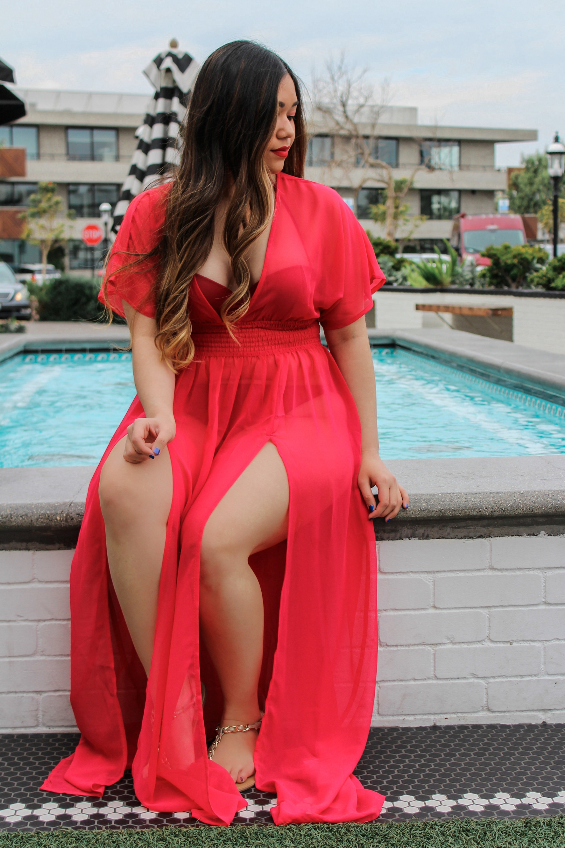 Upbra Adjustable Cleavage Push Up Bra Bikini Red Maxi Beach Coverup High Slit Pink Straw Hat